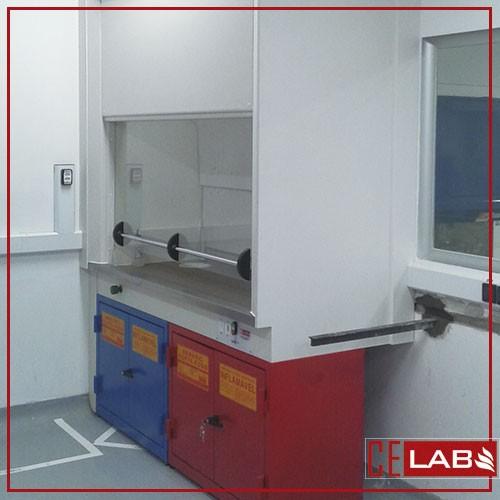 Capela com exaustor para laboratório